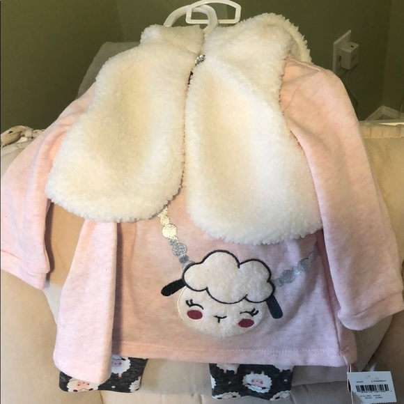 Little Lass baby outfit in 6/9 M